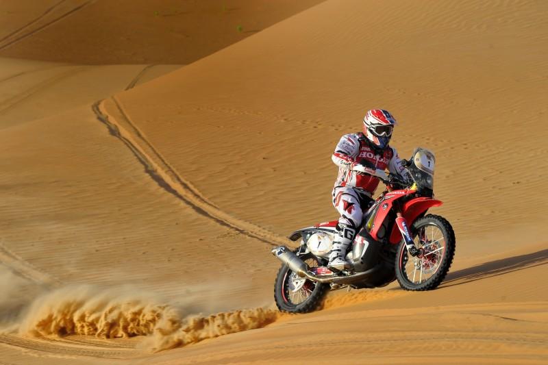 Abu Dhabi Desert Challenge victory for Paulo Gonçalves on the Honda CRF450 Rally