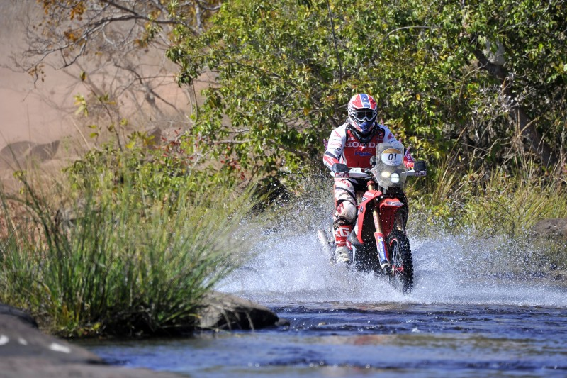 Paulo Gonçalves clinches victory in the Sertoes' longest special