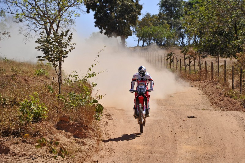 Paulo Goncalves on the Honda CRF450 RALLY, fastest in the Rally dos Sertoes prologue