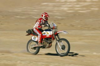 PARIS DAKAR 1982 - PHOTO: DPPICYRIL NEVEU / HONDA 500 XRR