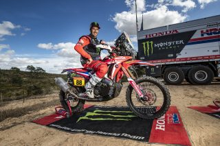 MonsterEnergyHondaTeam_Dakar2021_Barreda_10889_rallyzone copy
