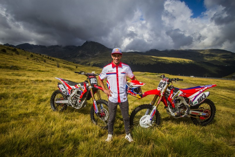 Joan Barreda back to full throttle aboard the CRF 450 Rally