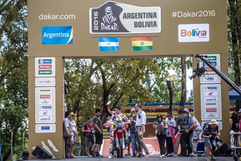 Joan Barreda kicks off the Dakar 2016 with a win in the prologue