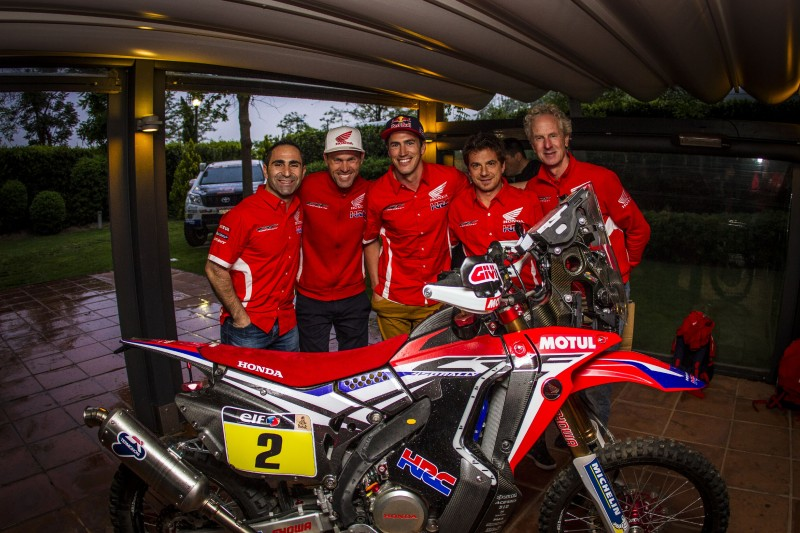Barcelona welcomes the Dakar 2017 and Team HRC