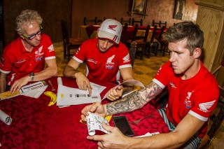 MZG16_TeamHRC_1887_ps