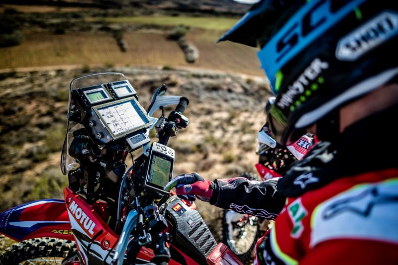 Monster Energy Honda Team face the Dakar with Garmin