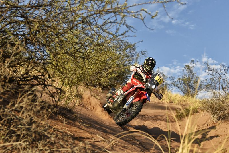 Monster Energy Honda Team refuse to throw in the towel, sealing the team's fifth stage win with a one-two for Barreda and Goncalves
