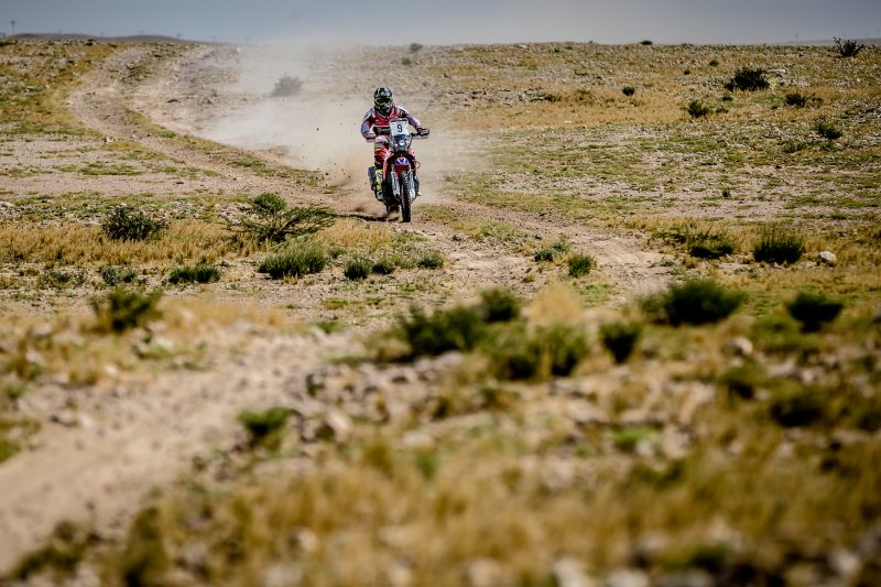 Paulo Gonçalves consolidates second position in Qatar