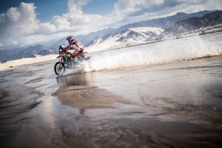Dakar18_Stage11_CORNEJO_9426-Edit_mch
