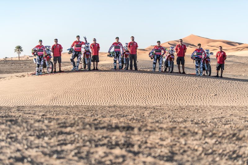 Monster Energy Honda Team on the starting line for the Merzouga Rally. Kevin Benavides, fastest in the prologue