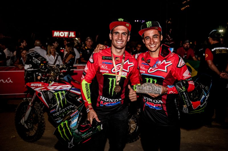 Monster Energy Honda reviews the 2019 Dakar