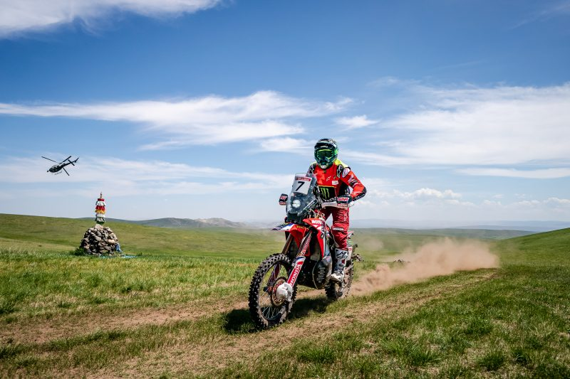 Benavides and Barreda dominate as the Silk Way Rally heads into Mongolia