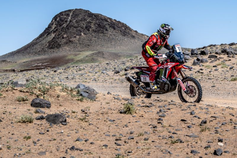 Barreda recovers and finishes third in the final stage in Mongolia