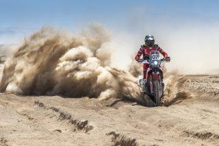 MEHT19_Atacama_stage2_Benavides_9655_rallyzone