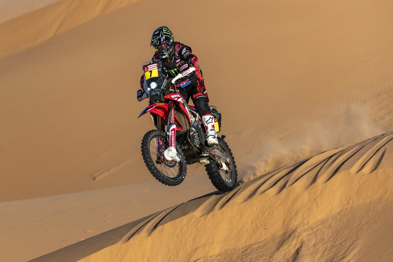 Kevin Benavides claims first Dakar 2020 stage win on a brutal day