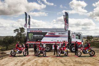 MonsterEnergyHondaTeam_Dakar2021_Team_0074_rallyzone copy