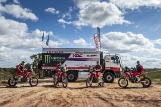 MonsterEnergyHondaTeam_Dakar2021_Team_10875_rallyzone copy